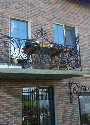 Балкон кованый. Ограждение на балкон. Перила металлические