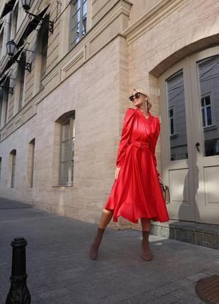 Шелковое пышное платье с юбкой-солнце и рукавом фонарик на запах