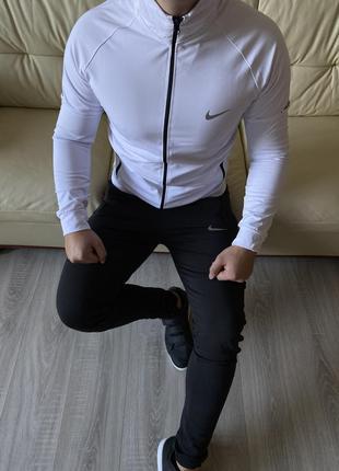 Белый с черным спортивный мужской костюм найк nike