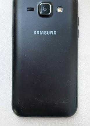 Продам смартфон Samsung J1