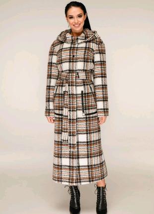 Демисезонное женское пальто с капюшоном