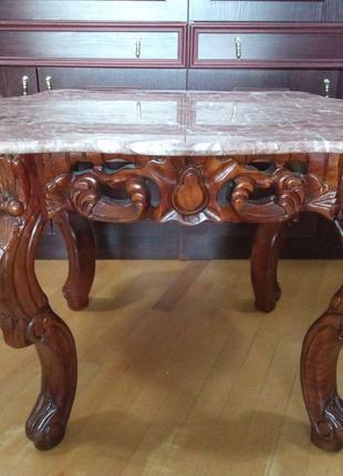 Стол кофейный с мраморной столешницей
