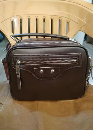 Кожаная сумка коричневая, есть длинная ручка