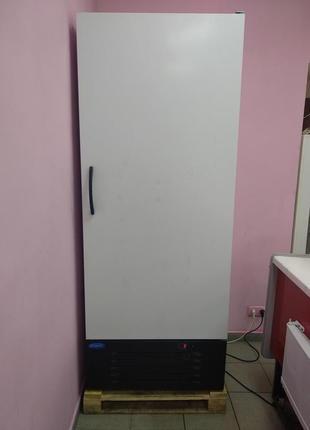 Торговый холодильник