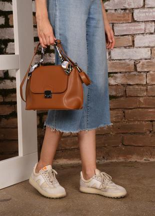 Женская небольшая сумка с платком рыжая рыжего цвета