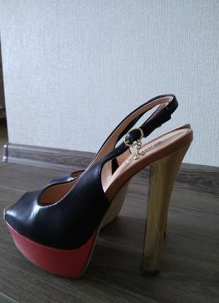 Босоножки крутые красивые каблук
