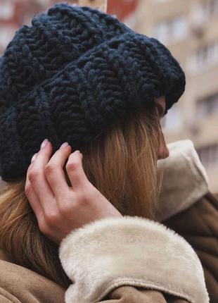 Зимняя обьемная шапка крупной вязки