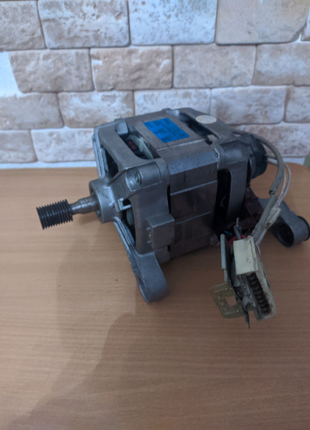 Продам мотор от Стиральной Машины