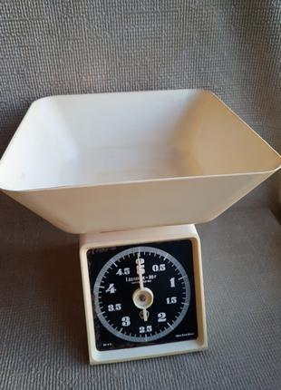Весы механические, бытовые СССР, 5 кг. Целые, рабочие