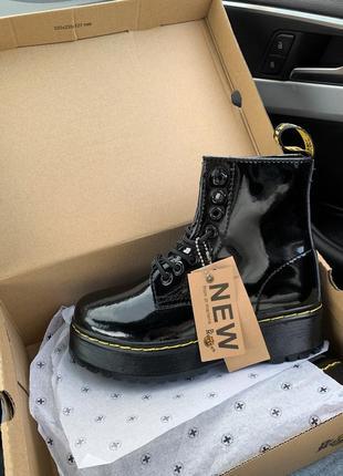 Ботинки женские лакированные на платформе