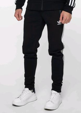 Теплые зауженные спортивные штаны Адидас на флисе Зима Adidas