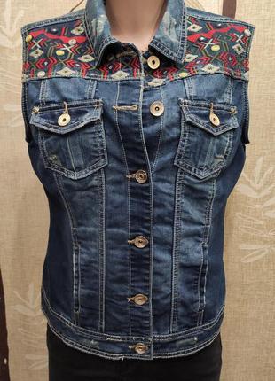 Yessica оригинальная джинсовая жилетка с вышивкой