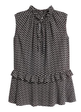 Актуальная блузка с горловиной в оборках h&m черная блуза с во...