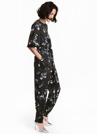 Женственный брючный комбинезон в ирисах h&m черный комбез брюк...