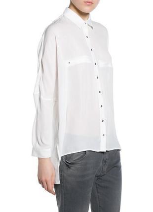 Белая рубашка с декоративными карманами mango oversize / m