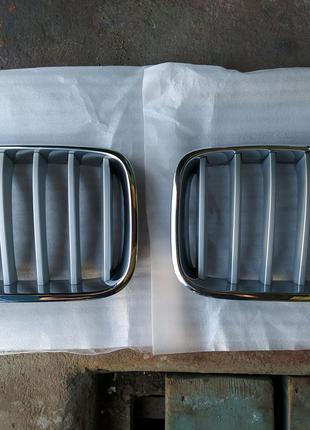 Решетка радиатора ноздри BMW X3 F25