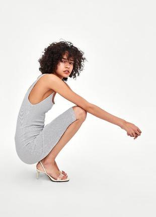 Платье в мелкую полоску с квадратным декольте zara белый полос...