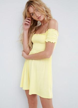 Банановое платье с открытыми плечами asos 🍌 нежно-желтый сараф...