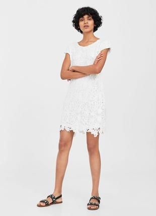 Белое платье с гипюра mango - m