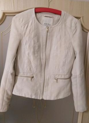 Продам замшевую куртку бренда AMISU