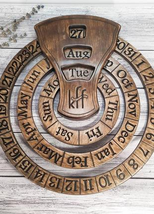 Бесконечный деревянный календарь ручной работы