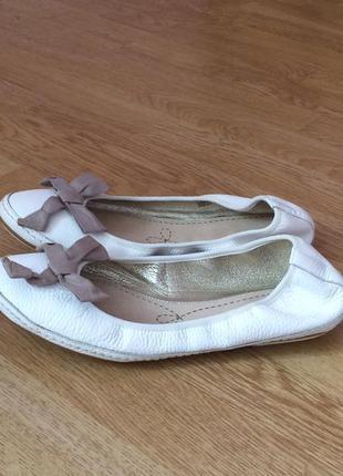 Кожаные балетки clarks 41 размера в идеальном состоянии