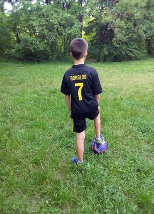 Спортивная футбольная форма, футболка и шорты