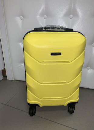 Дорожный чемодан поликарбонат wings ручная кладь желтый