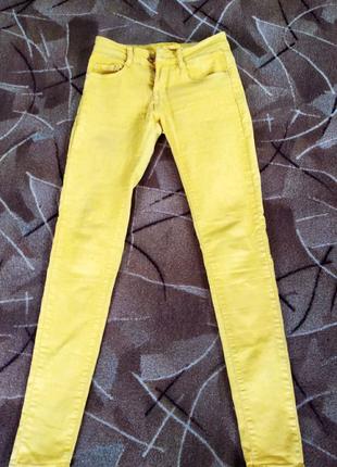 Женские жёлтые брюки