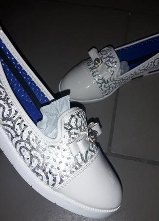 Туфли  девочке балетки