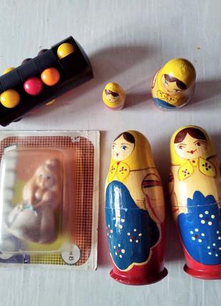 Матрёшки,кукла и башня