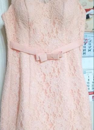 платье на выпускной свидетельнице