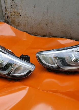 Фара правая Hyundai Accent 2019