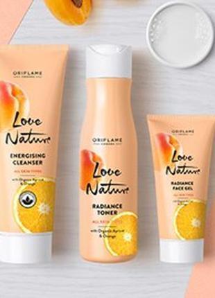 Набор для лица с органическим абрикосом и апельсином love nature