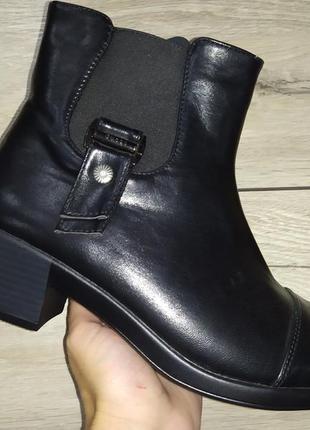Женские ботильоны на каблуке ботинки деми