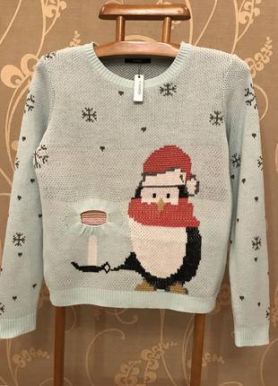 Нереально красивый и стильный вязаный свитерок.
