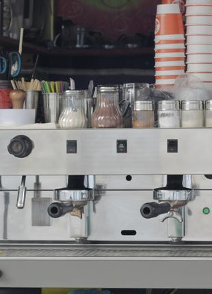 Профессиональная кофемашина бу