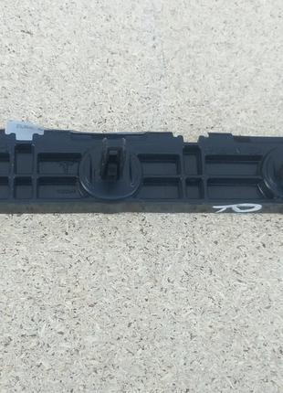Направляющая накладки порога лев/прав задняя Tesla1003691-00-B
