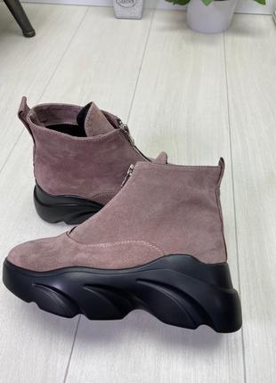 Ботинки, кроссовки пудра на высокой подошве деми / зима натура...