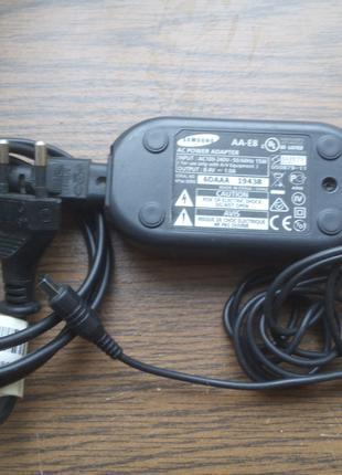 Зарядное блок питания фото видео камеры Samsung 8.4V 1.0A AA-E8