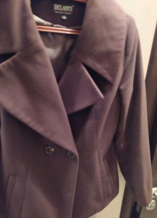 Женское кашемировое пальто.