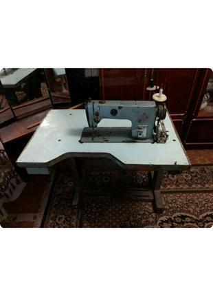 Швейная машинка 1022 класса