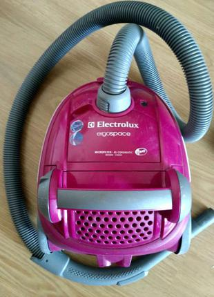 Пылесос Electrolux ergospace ze 2200 - 1500 W б/у