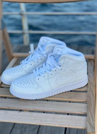 Кроссовки Nike Air Jordan 1 Retro White
