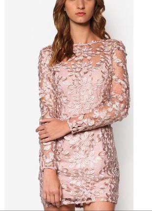 Красивое коктейльное платье пыльно-розового цвета