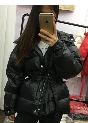 Модный пуховик оверсайз зимняя куртка на поясе с капюшоном