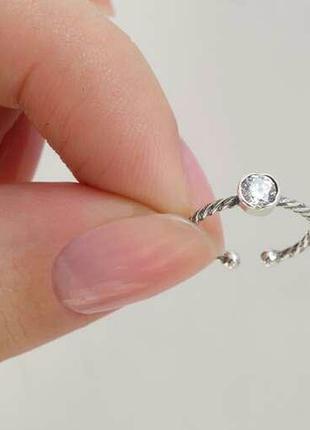 Кольцо с камнем на переднюю фалангу пальца или мезинец