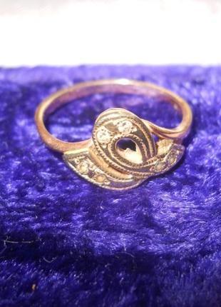 Золотое кольцо 585 пробы,18 р. КЮЗ.