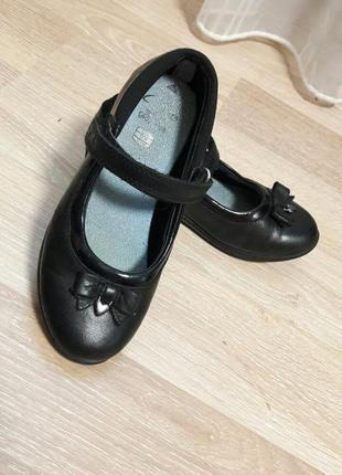 Детские кожаные туфли clarks 30р.