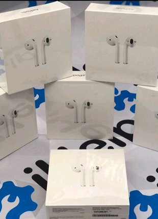 Apple Airpods, Samsung Buds